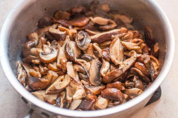 Pasta-Alfredo-Mushrooms-METHOD-2-sauteed-mushrooms-600x400.jpg