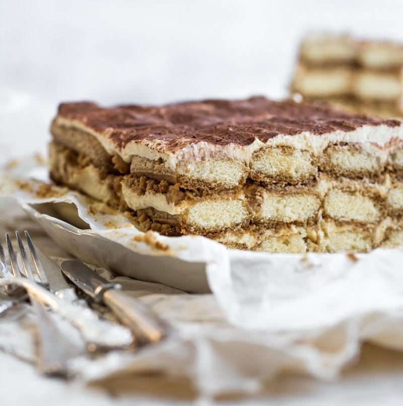 gingerbread_tiramisu_cake3-e1526048342523.jpg
