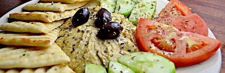 ensalada-con-hummus-e1533223512258.jpg